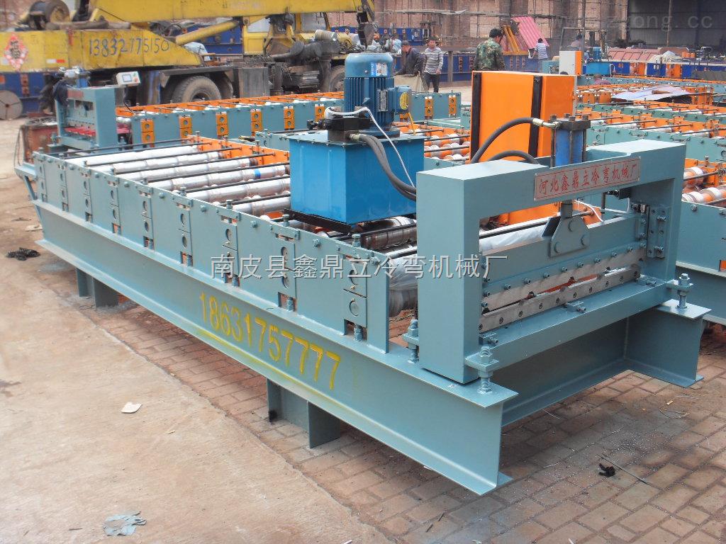 彩色压型钢板设备:适用于工业与民用建筑,仓库,大跨度钢结构房屋的